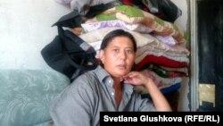 Гулжаз Абжамалова в занятой ею квартире. Город Сатпаев Карагандинской области. 10 июля 2014 года.