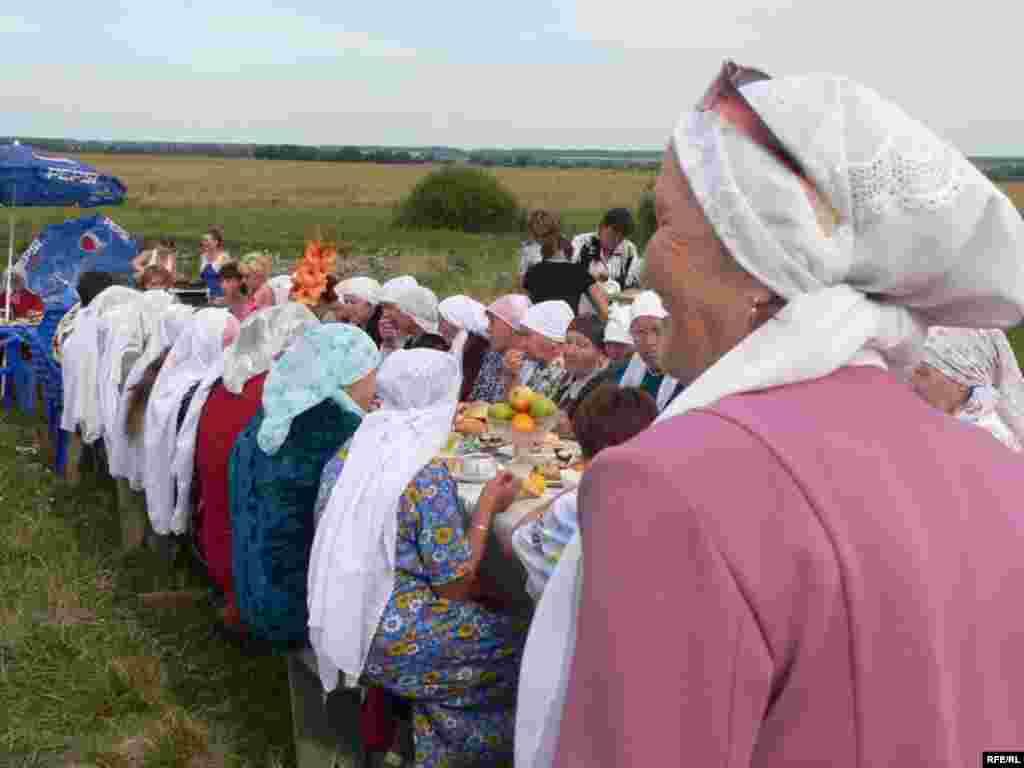 مردم هم برای بزرگداشت بهار از شهر و روستا دور هم جمع میشوند / تاتارستان