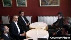 Средба на поранешниот лидери на СДСМ Бранко Црвенковски и на лидерот на ДПА Мендух Тачи, во ресторанот Петрол компани на автопатот Скопје-Тетово. 2012