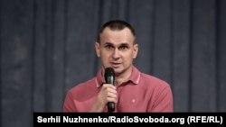 Ukrajinski režiser Oleg Stencov tokom razgovora sa novinarima