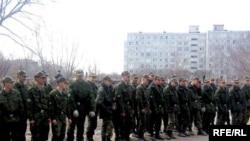 За счет кого будет пополняться российская армия - большой вопрос.