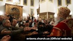 Пасха в Святогорской лавре, 19 апреля 2020 года