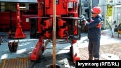 Самоподъемная буровая установка «Петр Годованец», принадлежащая до аннексии Крыма ГАО «Черноморнефтегаз». Архивное фото