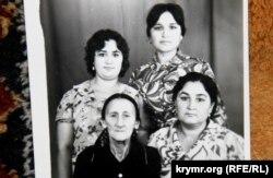 Сестри і мати Зумріє Мухтарової