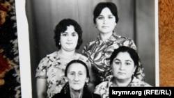 Zumriye Muhtarova tuvğanları ile