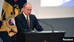 Владимир Путин на коллегии МВД