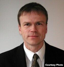 Свен Тёлп, раиси Хадамоти консулии вазорати корҳои хориҷии Эстония