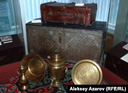 Экспонаты дома-музея А. Байтурсынова в Алматы. Алматы, 3 сентября 2012 года.