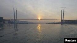 Мост через бухту Золотой Рог - крупнейший инфраструктурный проект в рамках подготовки к проведению во Владивостоке саммита АТЭС