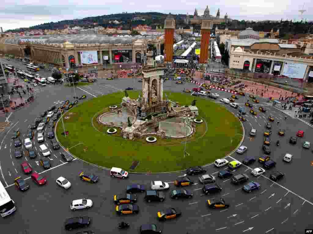 Гішпанія, Барсэлёна: месца правядзеньня Сусьветнага форуму мабільных тэхналёгіяў.