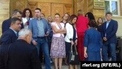 Архивска фотографија - Пратеници од ВМРО-ДПМНЕ пред Собрание.