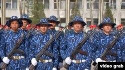 Служащие Национальной гвардии Узбекистана.