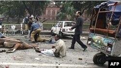 این اولین انفجار در لاهور پاکستان پس از ترور بی نظیر بوتو در اواخر سال گذشته است.