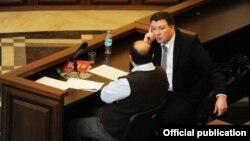Գիգի Ուգուլավան Թբիլիսիի դատարանում, 25-ը փետրվարի, 2013թ.