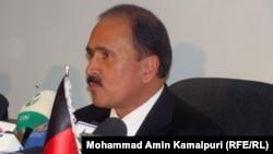 د افغانستان د اطلاعاتو او مواصلاتو وزیر امیرزی سنګین د یوې خبري غونډې پر مهال . د دسمبر ۲۰مه کابل