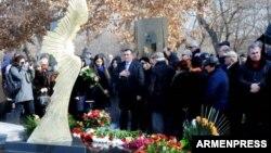 Պանթեոնում բացվեց Գեղամ Գրիգորյանին նվիրված հուշարձան