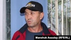 Алматинец Мурат Шорманов, обвиненный в участии в несанкционированном митинге, после суда, где его осудили на 15 суток. Алматы, 17 сентября 2019 года.
