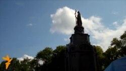 Киев: молебен без верующих