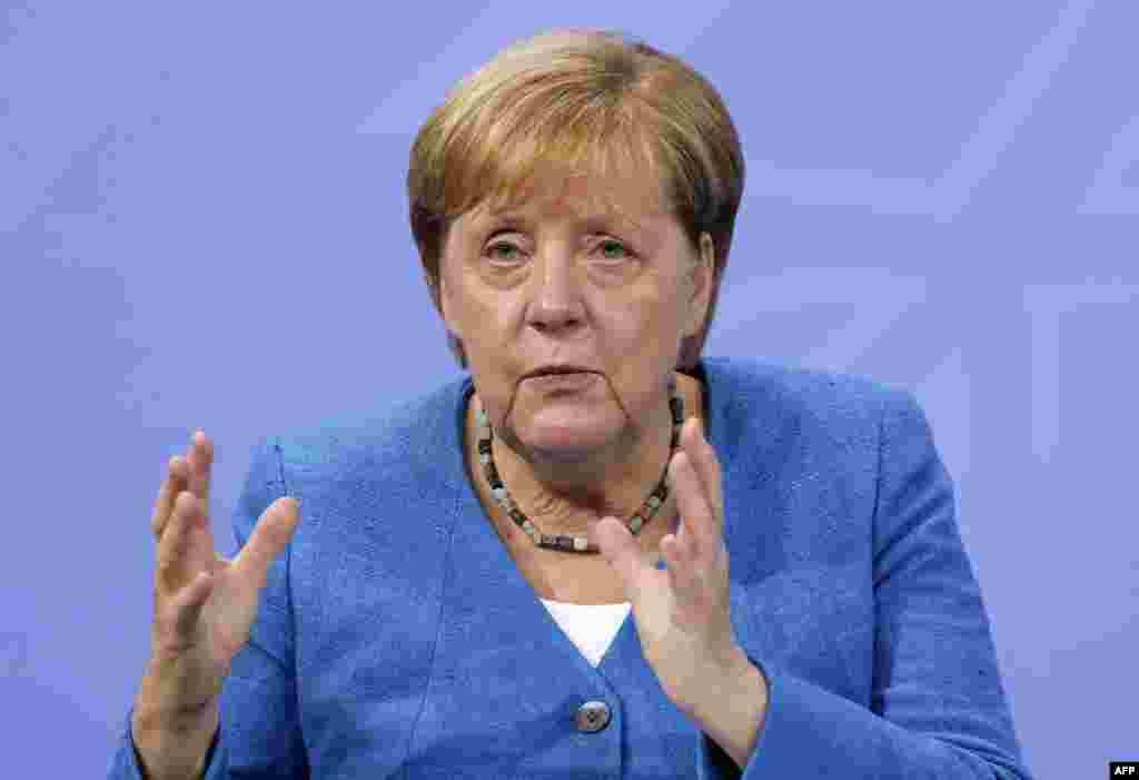 ГЕРМАНИЈА - Германската канцеларка Ангела Меркел на 20 август ќе ја посети Москва и ќе разговара со рускиот претседател Владимир Путин, објавија денеска владите на двете земји.