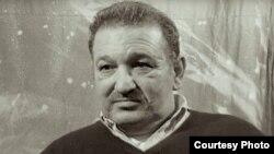 Bela Puczi a murit în mizerie, secat de suferințe, în 2009, la Budapesta.