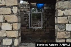 Покинутий житловий будинок