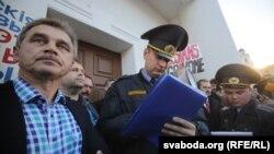 Анатоль Лябедзька на акцыі супраць расейскай авіябазы