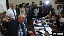 Armenia - Aram Simonian, the Yerevan State University rector, holds a news conference in his office, 29 May 2018.