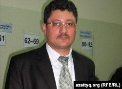Председатель участковой избирательной комиссии №182 Иван Коротченко. Темиртау, 15 января 2012 года.