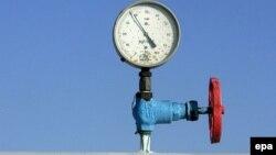 Янукович хоче дешевшого газу від Росії й альтернативних поставок, а Азаров покладається на вугілля