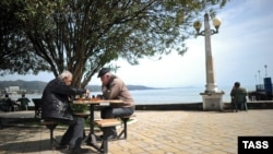 Шахматисты на набережной Сухуми
