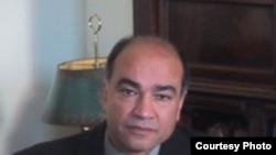 رسول نفیسی، جامعهشناس و تحلیلگر مسائل ایران و خاورمیانه و استاد دانشگاه ویرجینیای آمریکا