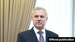 Станислав Зес