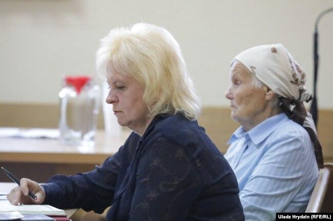 Маці і бабуля Аляксандра Коржыча