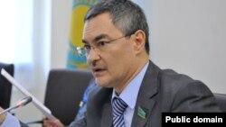 Серик Оспанов в бытность депутатом мажилиса парламента Казахстана.
