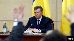 Янукович пресс-конференция берүүдө. 28-февраль, 2014-жыл.