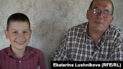 Василий Шулаков с внуком Владиславом