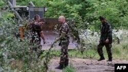 Autoritetet hungareze gjatë ndërtimit të metrave të parë të murit përgjatë kufirit me Serbinë