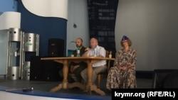 Презентация в Севастополе, брат Владимира Путина Александр - по центру