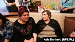 RFE/RL Journalist Khadija Ismayilova, who was released From custody in Azerbaijan on May 25, and her mother, Elmira Ismayilova.