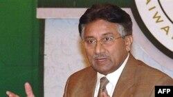 ژنرال پرويز مشرف روز پنجشنبه پانزدهم نوامبر، رييس مجلس سنا را به عنوان نخست وزیر دولت انتقالی معرفی کرد.