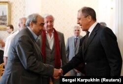 در دیدار با وزیر خارجه روسیه در ژوئیه ۲۰۱۲