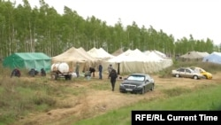 An encampment of stranded migrants on the Russian-Kazakh border.