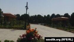 Площадь Памяти и почестей в городе Термезе.