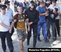 Задержания на митинге в Краснодаре