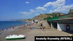 Пляж у селі Морське, Крим, 16 серпня 2018 року