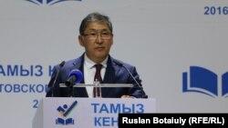 Министр образования и науки Казахстана Ерлан Сагадиев. Астана, 18 августа 2016 года.