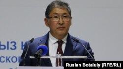 Казакъстанның мәгариф һәм фән министры Ерлан Сагадиев