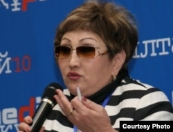 Парламент депутаты Айгуль Соловьева. Алматы, 12 қараша 2010 жыл. (Көрнекі сурет)