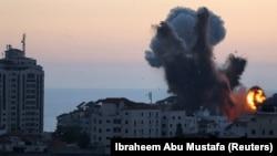 په غزه کې د اسرايلو په بمبارۍ کې په نښه شوې يوه وداني