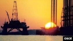 SOCAR dəniz qurğusu (arxiv fotosu)